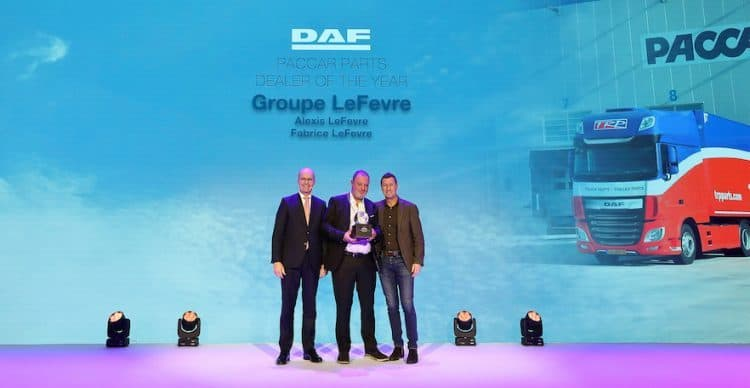 02_PACCAR-Parts-Dealer-of-the-Year-Groupe-Lefèvre